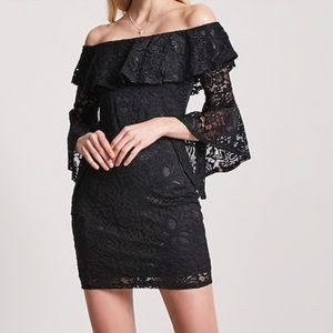 Dresses & Skirts - NWT Lace Off Shoulder Bell Sleeve Dress M